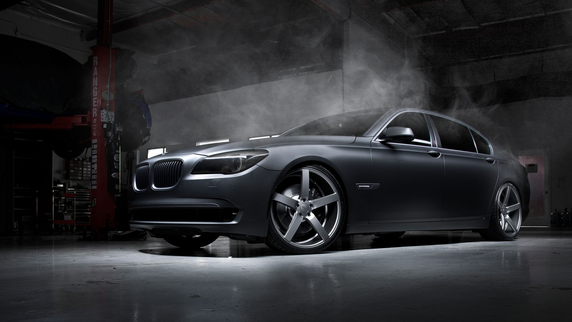 bmw_car_tuning_garage_wheels_smoke_94012_1920x1080